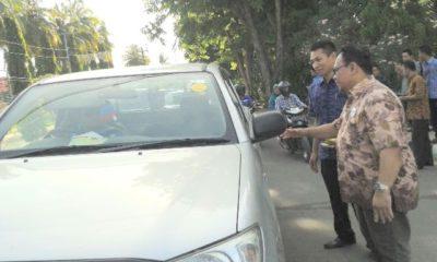 Kajari Bima saat turun ke jalan saat Hari Anti Korupsi Sedunia. Foto: Ompu