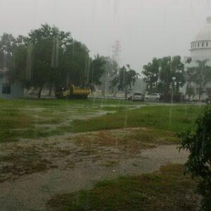 Hujan Berpotensi Banjir, Warga Diminta Waspada