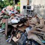Sampah Mulai Membusuk, Truk Tak Kunjung Tiba