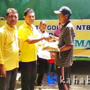DPD I Golkar NTB Salurkan 5 Ton Beras untuk Korban Banjir