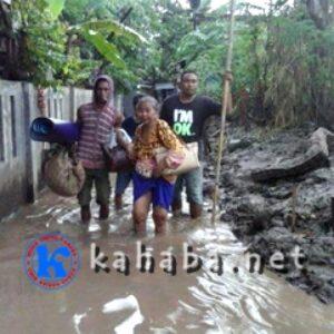 Di Kampung Sigi Paruga, Banjir Sudah Meluap