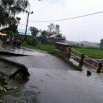 Banjir, Jembatan di Cenggu Jebol