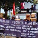 Sorot Illegal Logging, Aliansi Pencinta Alam Bima Turun ke Jalan