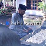 Lutfi Ziarah Makam Almarhum Nur Latief