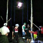 Manjakan Pengunjung Pantai Lariti, Kelompok Pemuda Bangun Ayunan