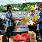 MDMC, Lazis dan IMM Bima Serahkan Bantuan Korban Kebakaran di Sangiang