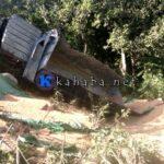 Rem Blong, Mobil Pengangkut Jagung Terguling ke Jurang