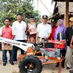 Wawali Bima Serahkan Bantuan Peralatan Pertanian