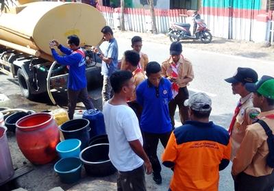Komunitas Pramuka Peduli Bantu Air Bersih untuk Warga Desa Pesa