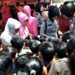Peringati HUT Polwan ke-69, Polwan dan Bayangkari Gelar Bakti Sosial