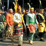 2 Putra Bima Ikut Parade Kawal Bendera Pusaka dari Monas ke Istana Negara