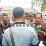 Kepala SMKN 2 Didemo Warga, Tuntut Gaji 1,7 Tahun Dibayar