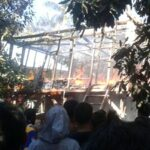 Arus Pendek, Rumah Warga Sumi Hangus Terbakar