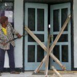 Tuding Sekdes Provokator, Kaur Buka Paksa Penyegelan Kantor Desa Tumpu