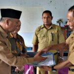 Wawali Serahkan Bantuan Pembangunan Masjid Nurul Ilmi SMPN 1