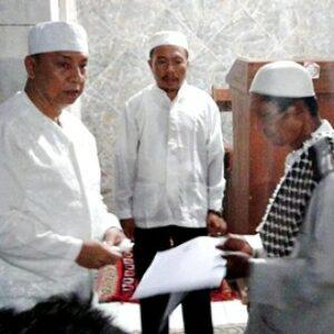 Wawali Serahkan Bantuan Stimulan untuk Masjid Al-Badariah So Nggela