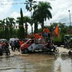 Demo Hari Anti Korupsi, Mahasiswa Lempar Kantor Dinas Pertanian