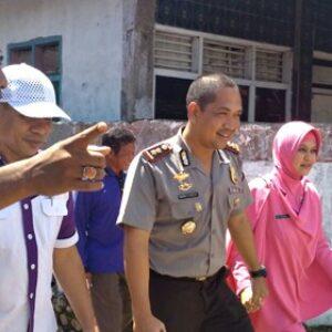 Kapolres Bima Bersama LKSA Sambangi Dahlan, Warga Tambe Yang Sakit Jiwa