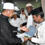 Wawali Serahkan Bantuan Masjid di Tanjung dan Melayu