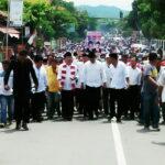 Ribuan Massa Antar Pendaftaran Subhan – Wahyudin