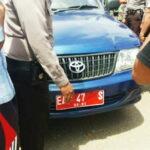 Angkut Pupuk, Mobdis Camat Rasanae Timur Ditahan Warga