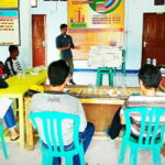 Tingkatkan Kapasitas, Jurnalis Desa Rabakodo Dilatih Teknis Menulis