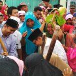 Shalawat dan Kareku Kandei Sambut Lutfi-Feri di Rabadompu Barat