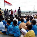 Siswa SDN 29 Belajar Diatas Kapal Perang KRI Teluk Sampit 515