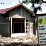 Warga Sorot Pembangunan Kantor Desa Rada