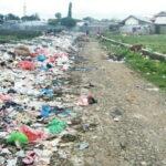 Jalan di Belakang Pasar Sila Seperti Tempat Pembuangan Sampah