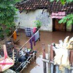 Tak Ada Hujan, Banjir Rendam Pemukiman Warga Tambe
