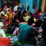 Warga Pane dan SMKN 1 Salurkan Bantu Korban Banjir Dompu