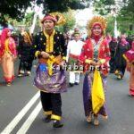 100 Peserta Dari Kota Bima Meriahkan Pawai Budaya Apeksi di Kota Batu