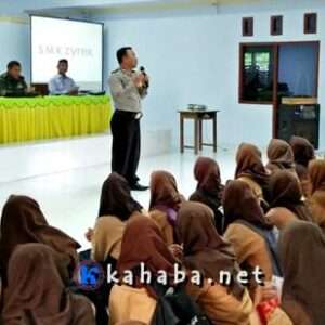 FKUB, Polisi dan TNI Sosialisasi Bahaya Narkoba dan Wawasan Kebersamaan di SMKN 1