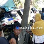 Bus Mahatir Putra Tabrak Rumah Warga Di Desa Sondosia