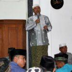 Walikota Bima Serahkan Bantuan Program Keagamaan di Asakota