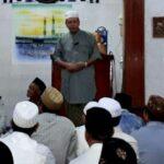 Safari Ramadan di Rasanae Timur, Walikota Serahkan Bantuan Keagamaan