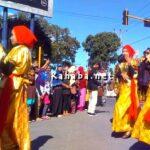 Rombongan Kecamatan Bolo Tampilkan Puluhan Atraksi Kesenian Budaya Saat Pawai