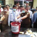 Polres Bima Kota Musnahkan Sabu-Sabu 984,14 gram