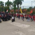 "Kota Bima ""Dikepung"" Para Demonstran"