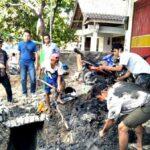 Limbah Cair Tergenang, Drainase Depan Rocket Chicken Dibongkar