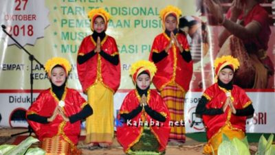 Penampilan salah satu regu tari pada Pagelaran Seni Budaya Pemuda Bangsa