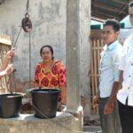 Krisis Air Bersih, Warga Woro Cari Air di Luar Desa