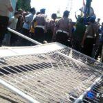 Demo di STIE Bima Bentrok Dengan Polisi, 5 Mahasiswa Diamankan