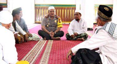Erwin Sholat Jumat Keliling Masjid, Ajak Warga Wujudkan Pemilu Damai 2019