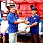 Nasaruddin Bantu Korban Kebakaran Desa Kole