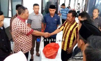 Jelang Pilkades Serentak, DPMdes Serahkan Logistik Pilkades di Bolo