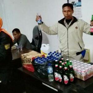Anggota Pol PP Amankan 7 Pasangan Diduga Mesum dan 66 Botol Miras