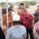 Walikota Bima Serahkan Bantuan Lapak untuk PKL Amahami