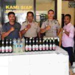 Grebek di Desa Rato, Polsek Bolo Sita Puluhan Botol Miras